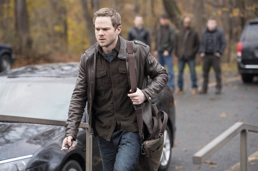 """Agent Weston (Shawn Ashmore) takes a break from work in the """"Welcome Home"""" episode of """"The Following."""""""