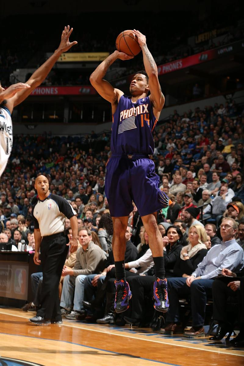 Green rallies Suns to 104-103 win over Wolves