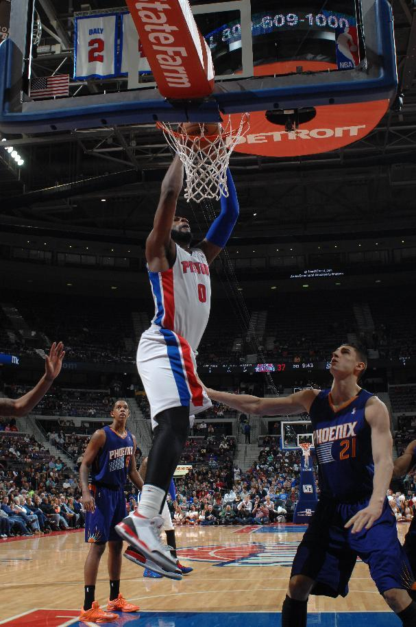 Smith's bank shot lifts Pistons over Suns 110-108