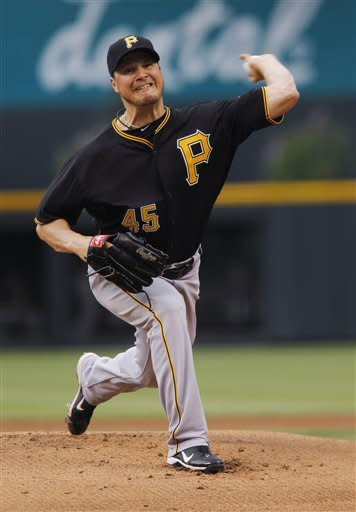 Bedard, McCutchen carry Pirates to 50th win