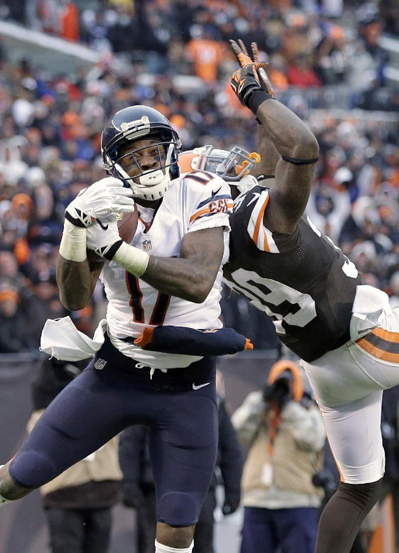 Cutler returns, leads Bears past Browns 38-31