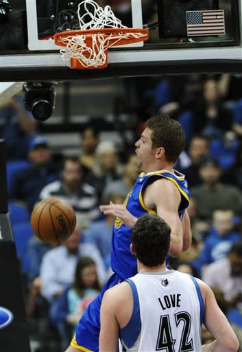 Warriors rally from 20 down to beat T-Wolves