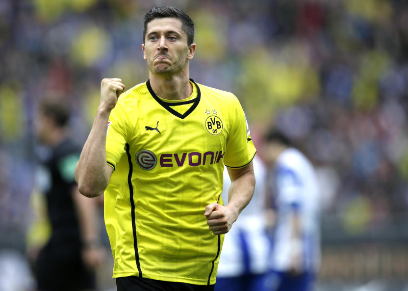 Man City, Lewandowski top AP global soccer poll