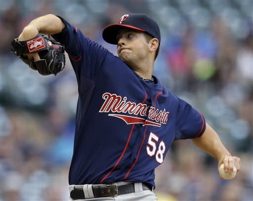 Diamond goes 3-0, Twins top Brewers 11-3