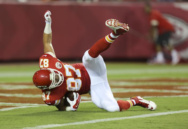 Chiefs' Kelce finally shows glimpse of potential