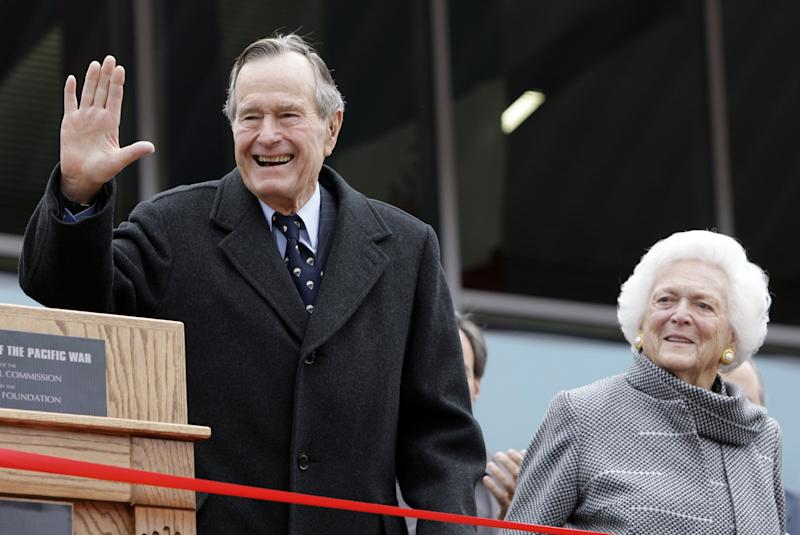 George H.W. Bush to Toss Coin at Super Bowl L1