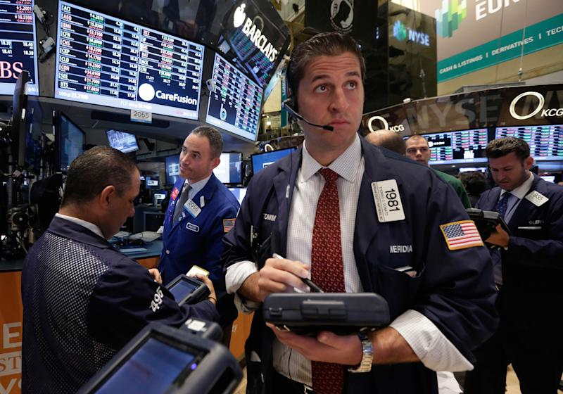 Dow average closes above 16,000 for the first time