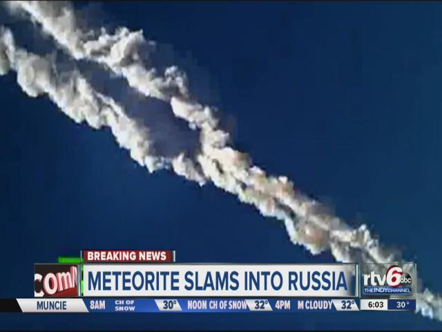 A thick white contrail, an intense flash and sharp explosions marked the passage today of a meteor across the sky above Russia's Ural Mountains. RTV6's Julie Pursley reports.
