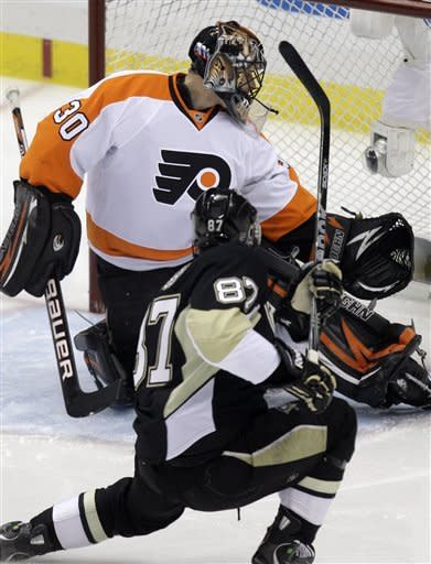 Flyers take control with 8-5 win over Penguins