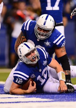 Andrew Luck scores a touchdown against the Chiefs (USA Today Sports Images)