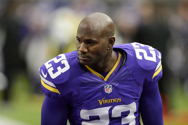 Vikings agree to bring back CB Newman