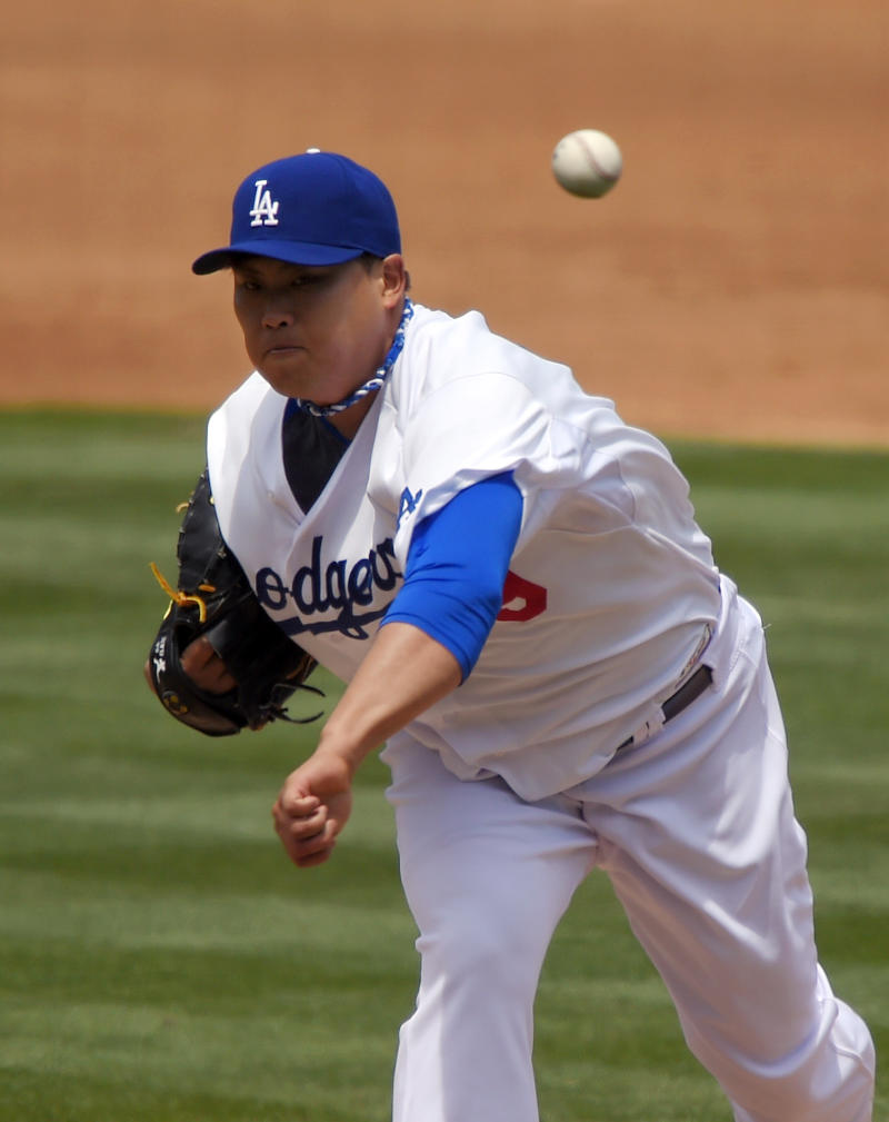 Dodgers' Ryu goes on DL with shoulder inflammation