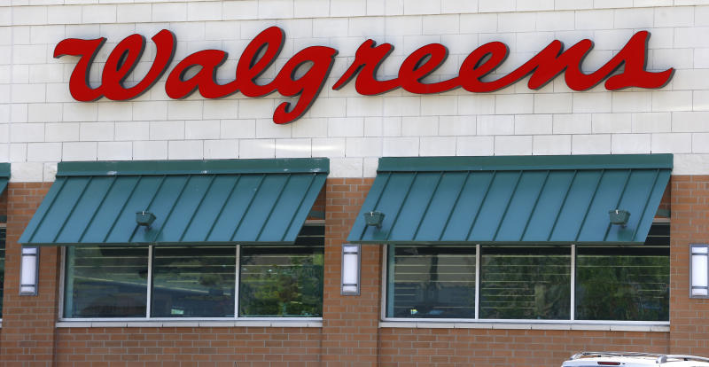 Walgreen 3Q profit jumps but misses estimates