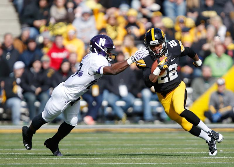 Northwestern CB Matthew Harris finishes his career with 161 total tackles. (AP Photo/Brian Ray)