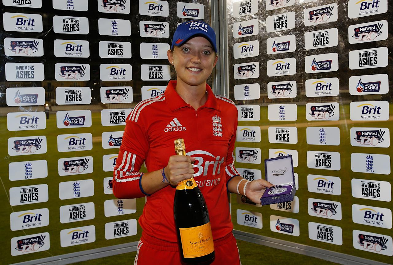 CHELMSFORD, ENGLAND - AUGUST 27: Player of the match Sarah Taylor poses with her award after England won the first NatWest T20 match between England and Australia at the Ford County Ground on August 27, 2013 in Chelmsford, England.  (Photo by Harry Engels/Getty Images)