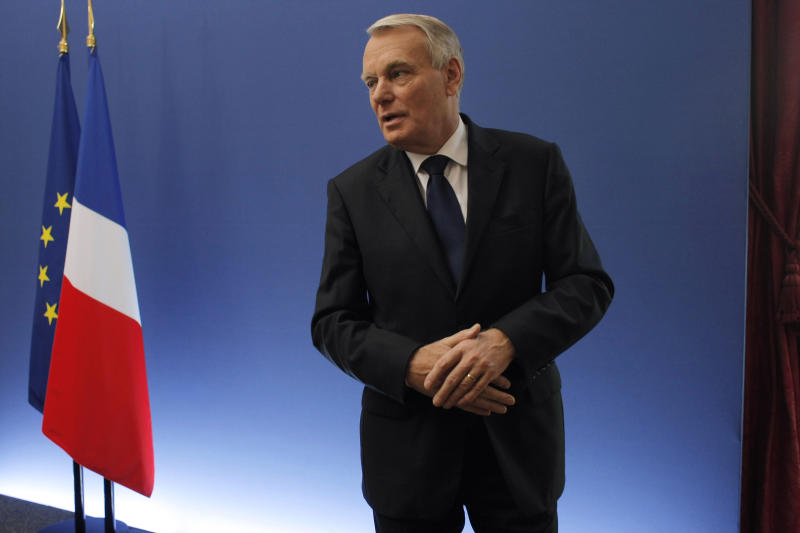 France to give businesses $25 billion tax break