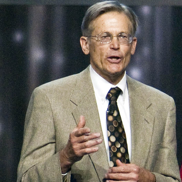 "<br><b>Jim Walton </b><br>Wal-Mart Stores Inc. (<a target=""_blank"" href=""http://finance.yahoo.com/q?s=WMT&ql=1"">WMT</a>)<br><br>Owner of 10,499,215 shares<br><br>Dividend: $16,693,751<br><br><b>After 15% tax: $14,189,688<br><br>After 43.4% tax: $9,348,500<br><br>Saving: $4,841,188</b>"
