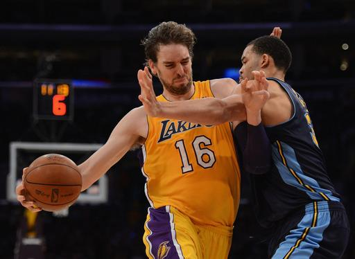 Lakers hold off Nuggets to take 2-0 series lead