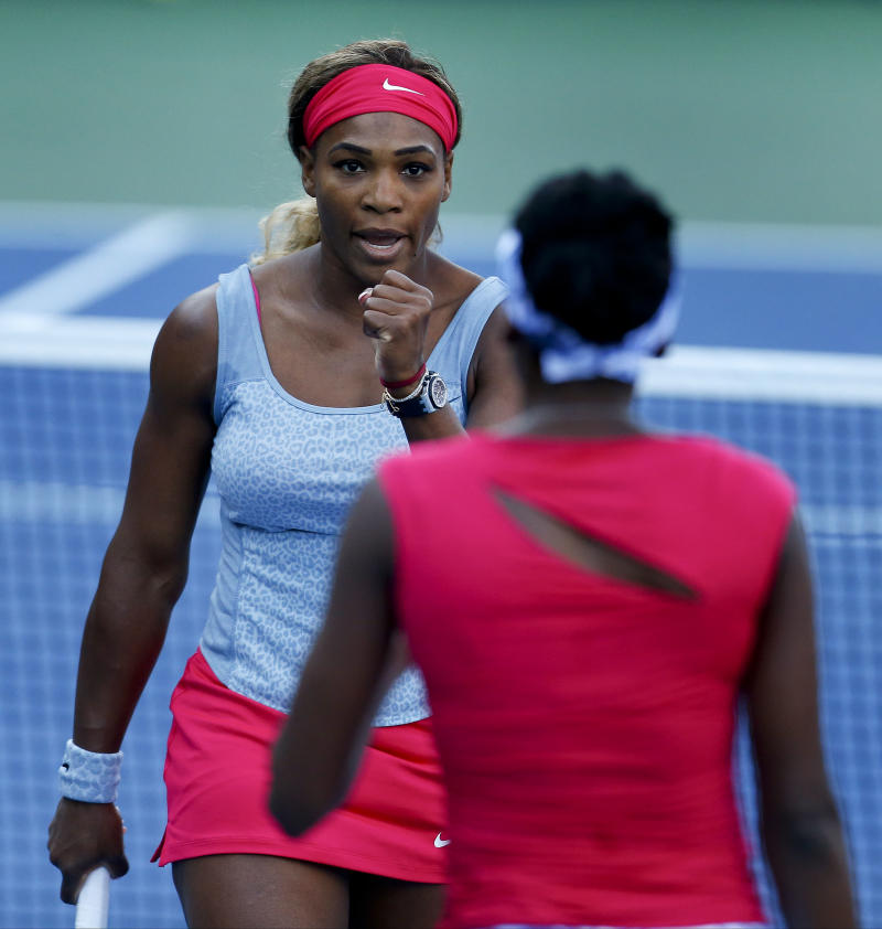 In return to doubles, Serena Williams wins at Open