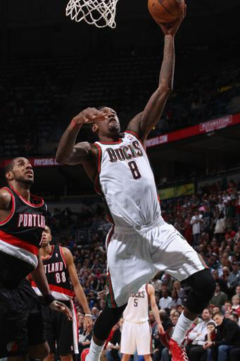 Jennings and Ellis lead Bucks over Blazers 102-95