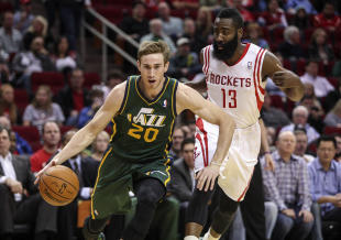 Gordon Hayward's offer sheet is expected to include a player option in the fourth year. (USA Today)