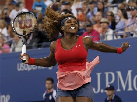 Serena Williams of the U.S. celebrates after defeating Victoria Azarenka of Belarus in their women's singles final match at the U.S. Open tennis championships in New York September 8, 2013. REUTERS/Mike Segar