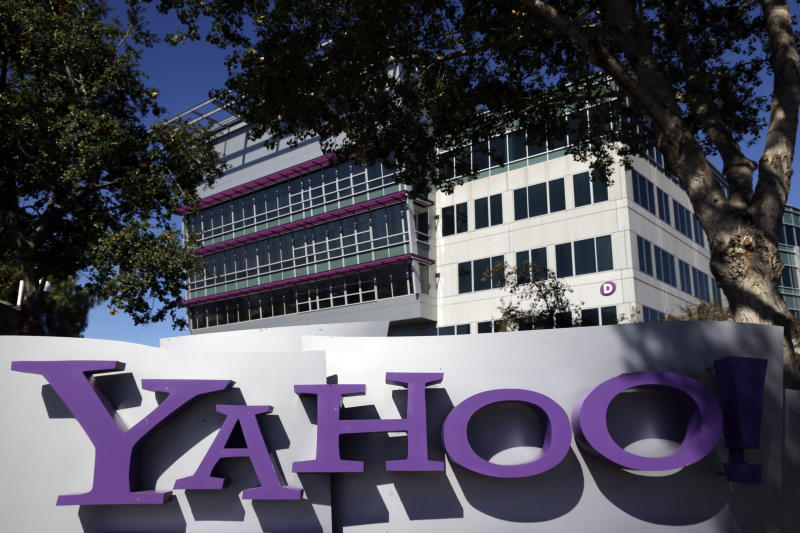 Ahead of the Bell: Yahoo shares up after 3Q earns