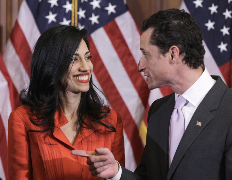 Clinton Aide Abedin Leaves Husband Weiner after Third Sexting Scandal