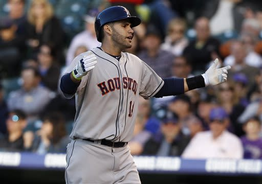 Martinez delivers go-ahead RBI single for Astros