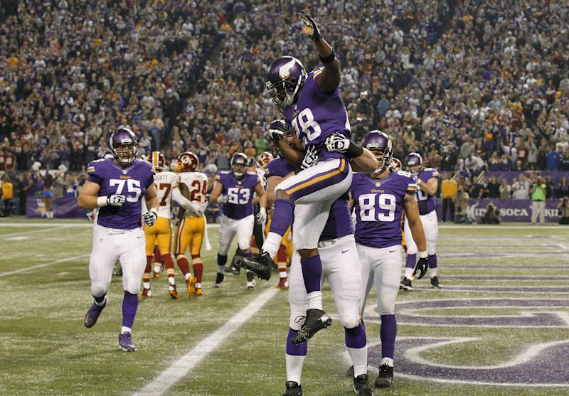 Ponder, Peterson help Vikings rally to beat Skins