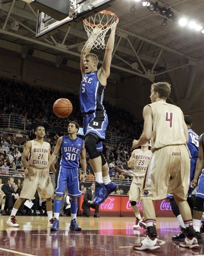 No. 4 Duke holds on to beat Boston College 62-61
