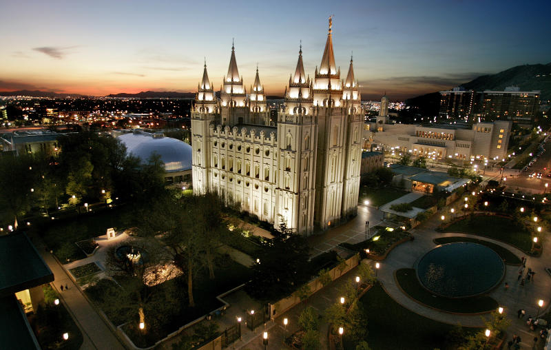 In a city of Mormons, meetings on mammon