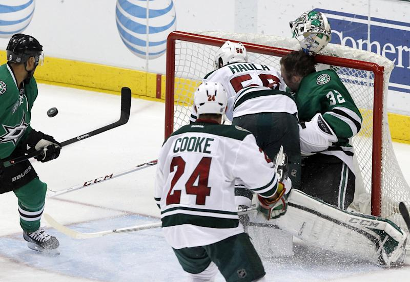 Stars call up goalie with Lehtonen in limbo