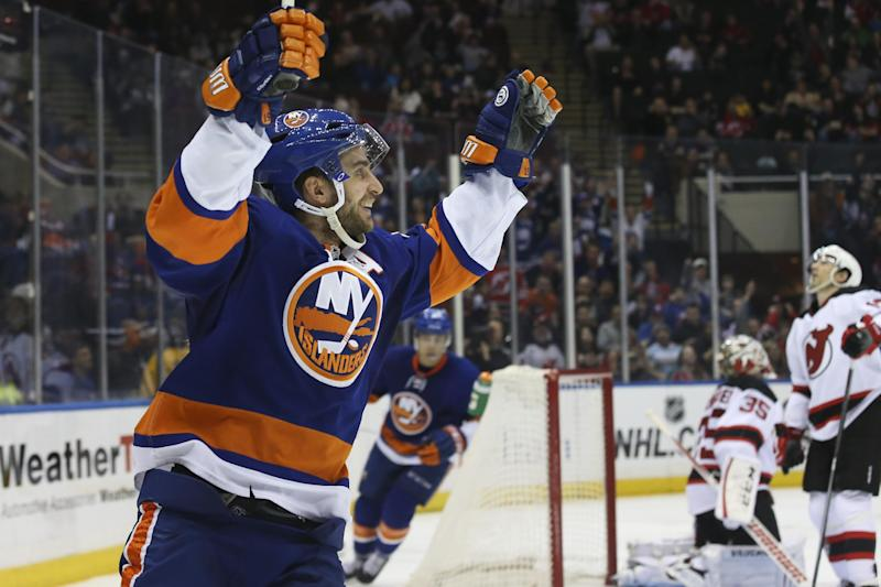 Nielsen lifts Islanders to 2-1 SO win over Devils