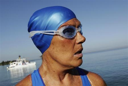 U.S. long-distance swimmer Diana Nyad is pictured before attempting to swim to Florida from Havana August 31, 2013. REUTERS/Enrique De La Osa