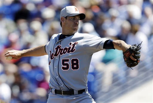 Tigers take advantage of Gee's control problems