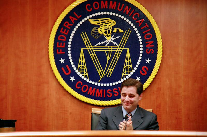 Trump appoints critics of net neutrality rules to FCC transition team