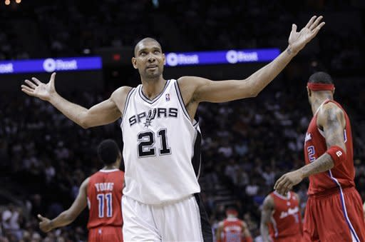 Spurs' win streak hits 15 in 108-92 Game 1 victory