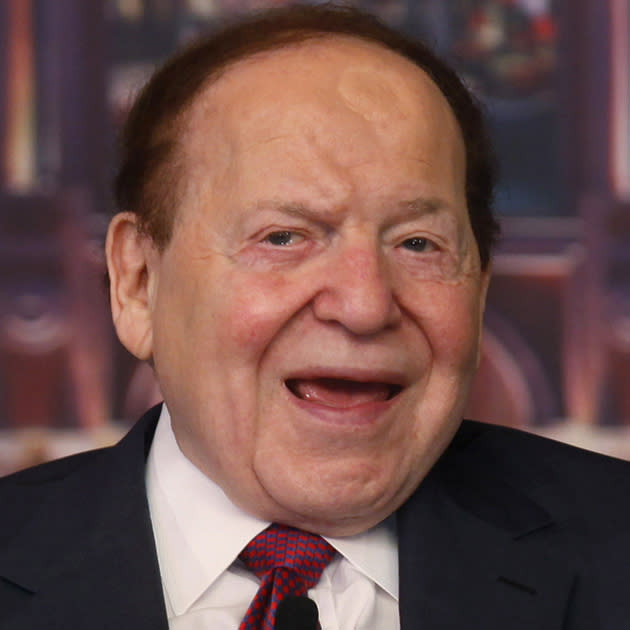 "<b><br>Sheldon Adelson</b><br>Las Vegas Sands Corp. (<a target=""_blank"" href=""http://finance.yahoo.com/q?s=LVS&ql=1"">LVS</a>)<br><br>Owner of 146,955,404 shares<br><br>Dividend: $146,955,404<br><br><b>After 15% tax: $124,912,093</b><b><b><br><br></b>After 43.4% tax: $82,295,026</b><b><br><br>Saving: $42,617,067<br></b>"