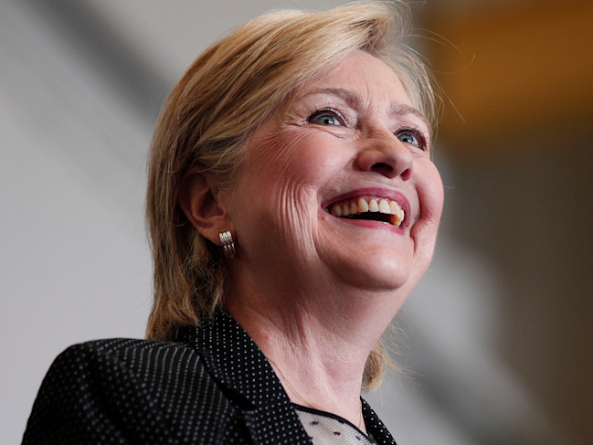 Hillary Clinton releases income records