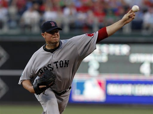 Ortiz leads Red Sox past Phillies 7-5