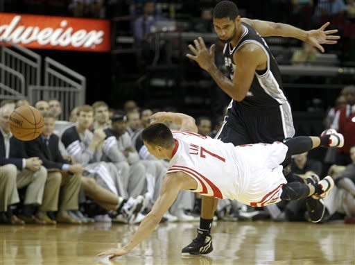 Witherspoon scores 17, Spurs beat Rockets 116-107
