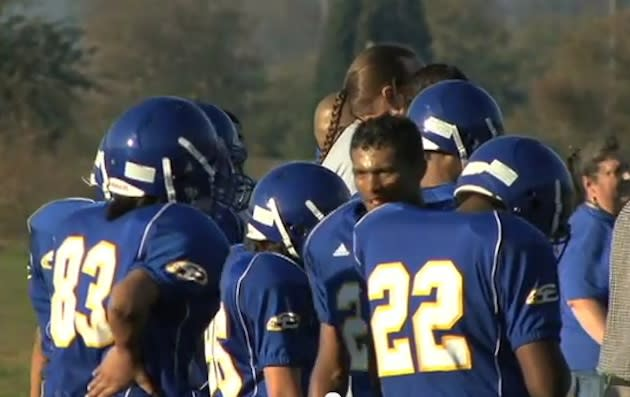 The 2012 Chief Leschi football team had to forfeit its opener because of 20 ineligible players — YouTube