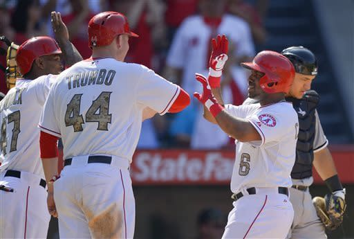 Angels hold on for 12-9 win over White Sox