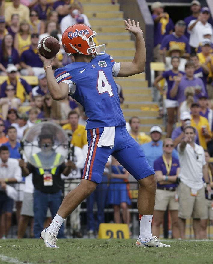 No. 22 Florida changing specialists again