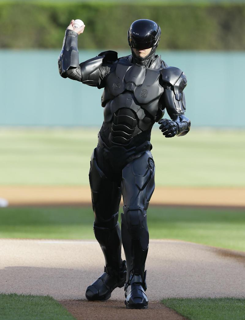 RoboCop throws 1st pitch at Detroit Tigers game
