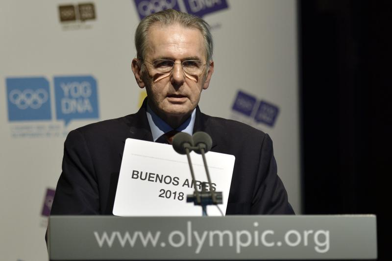 6 IOC presidential candidates make their pitches