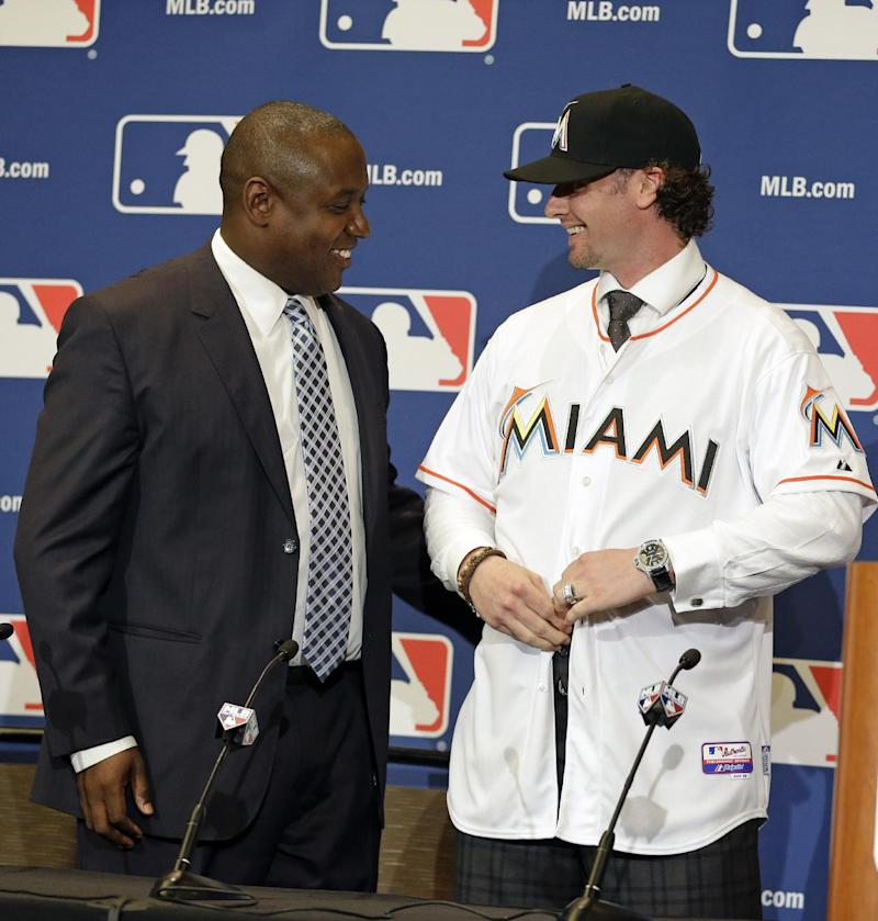 Saltalamacchia happy to join hometown Marlins