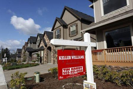U.S. home refinancing activity falls to lowest since June