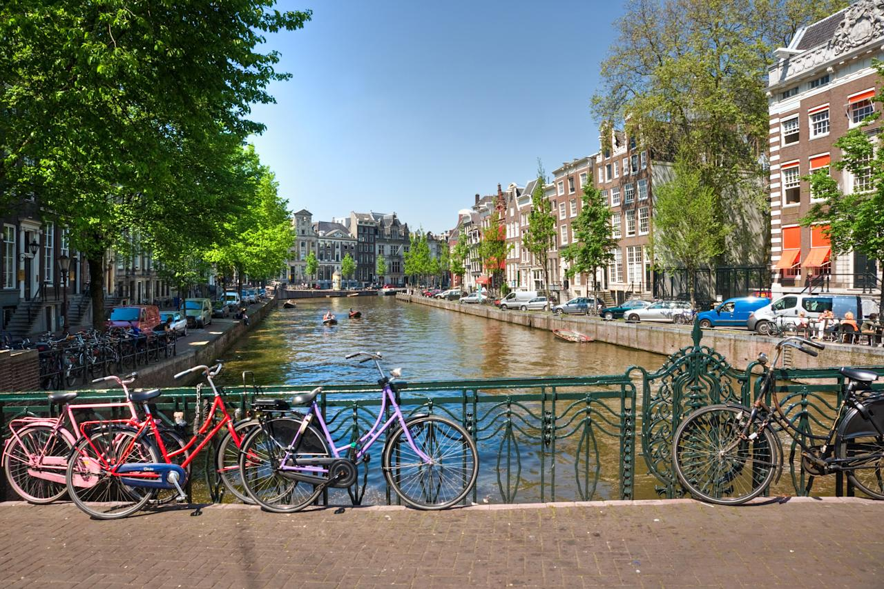 The list of the world's best cities to live in combines Economist Intelligence Unit (EIU) global 'liveability' rankings with new criteria that examine 'spatial characteristics'. According to the EIU ranking, Amsterdam was rated as the second best city.